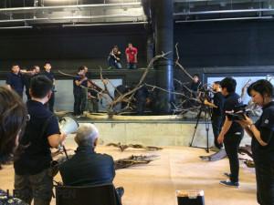 Forests Underwater - Takashi Amano dirigiert seine Helfer durch das Megafon