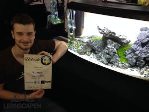 Aquascaping-Wettbewerb-Dennis-Stolz-mit-Urkunde